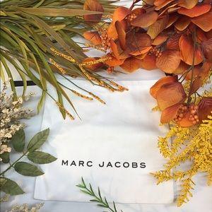 🌻Marc Jacobs white pull string dust bag